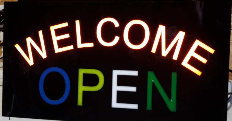 Ljusskyllt welcome open